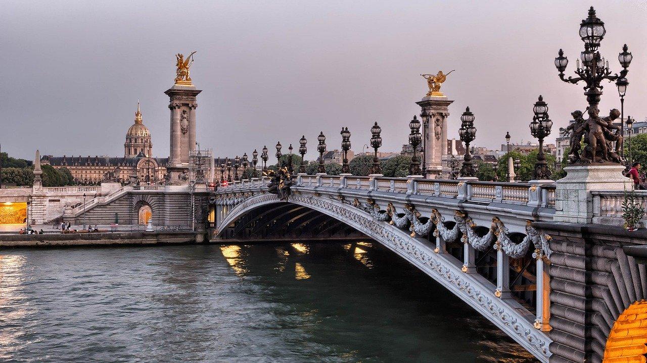 Fluviul Sena, Paris Pixabay